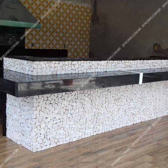 (14) mosaico-portugues-branco-balcao