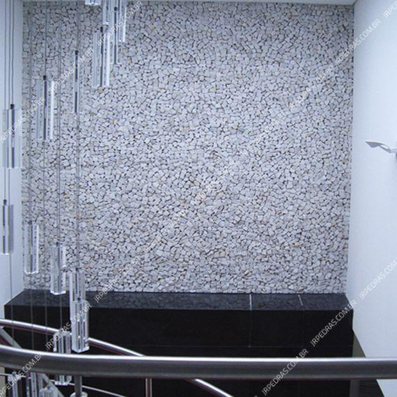 (16) mosaico-portugues-branco-parede-sala