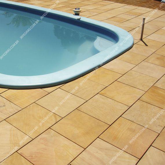 (2) pedra-arenito-amarela-piso-piscina