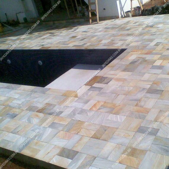 (2) pedra-quartzito-amarela-piscina-lado