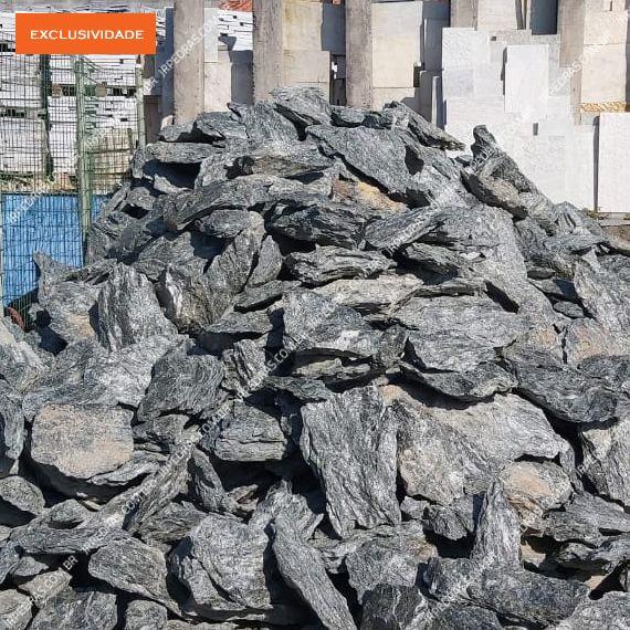 (3) bloco-pedra-mato-grosso-natural