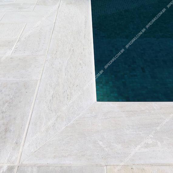 (3) borda-piscina-sao-tome-branco-calibrada