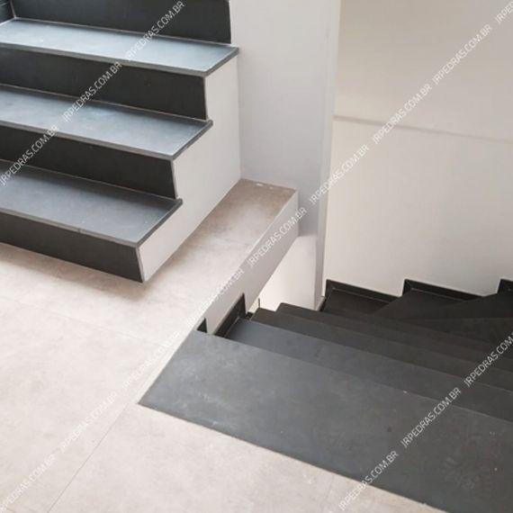 (4) escada-pedra-ardosia-cinza